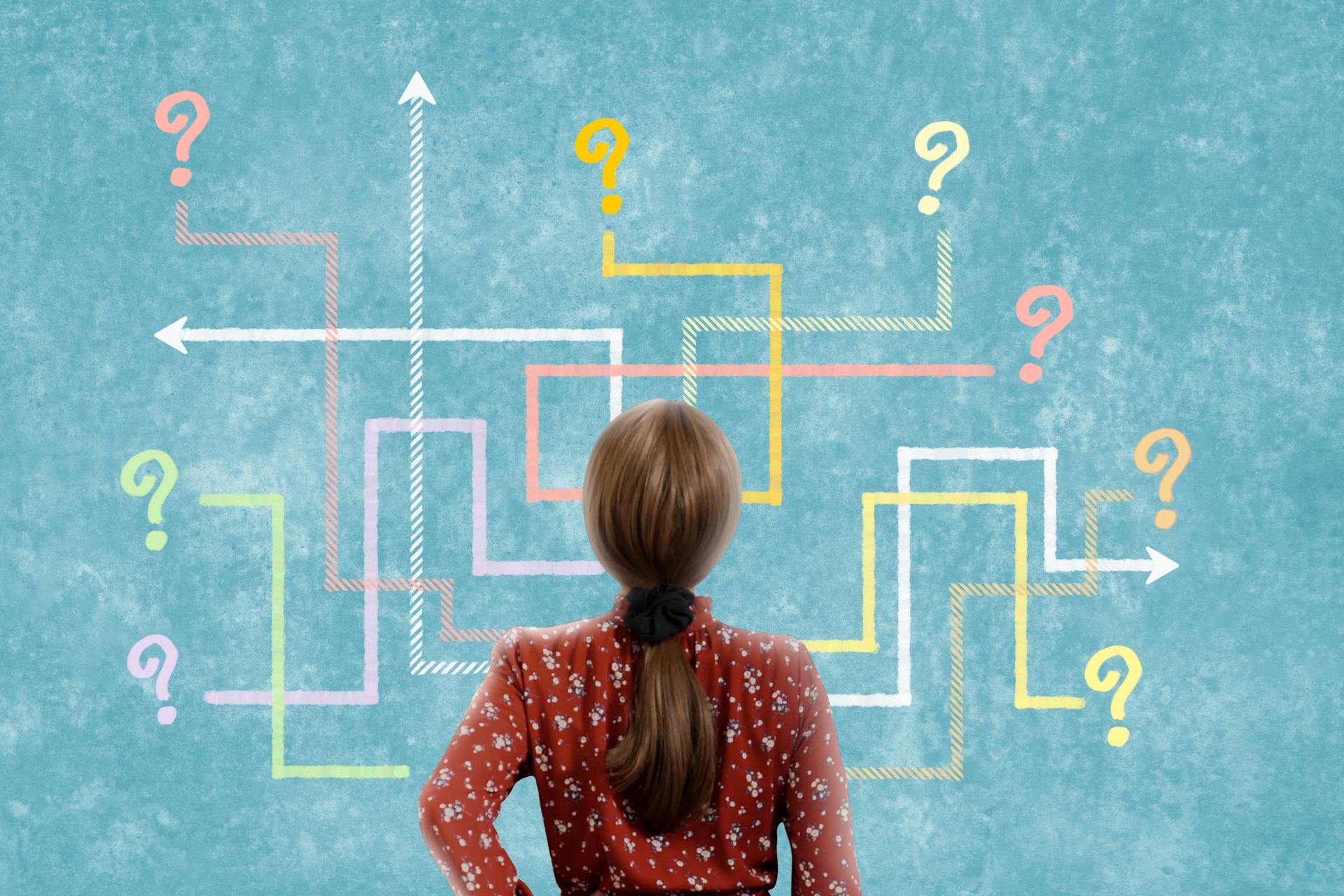 イラストで描かれた複数の選択肢に迷う女性